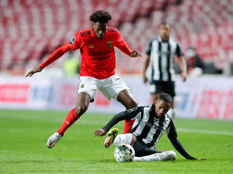 Arsenal agree 5-year deal with Benfica full back
