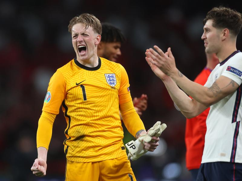 🚨 Goalkeeper Pickford sets a record in England win over Denmark