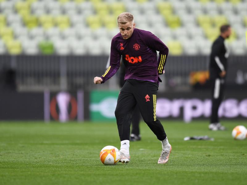 Van de Beek ready to fight for his Man United place