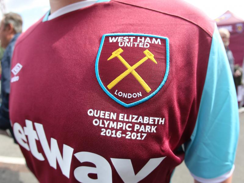 🛠️ West Ham unveil Paolo Di Canio-inspired kit for 2021/22 season