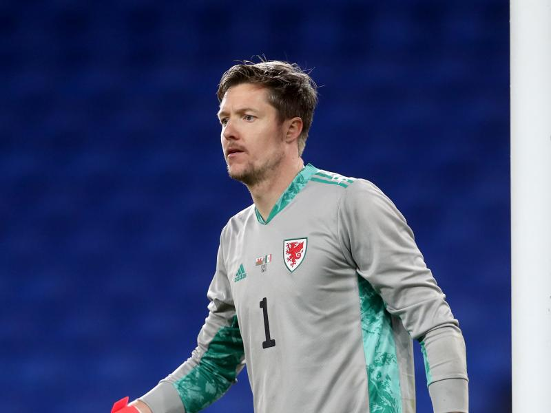 OFFICIAL: Ex-Crystal Palace keeper Wayne Hennessey joins Burnley