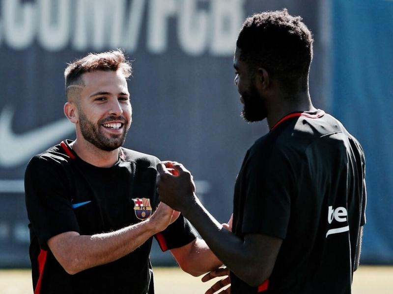 Barcelona face problem with three players who refuse to take a salary cut