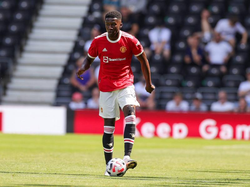 Hull City sign Manchester United youngster Di'Shon Bernard