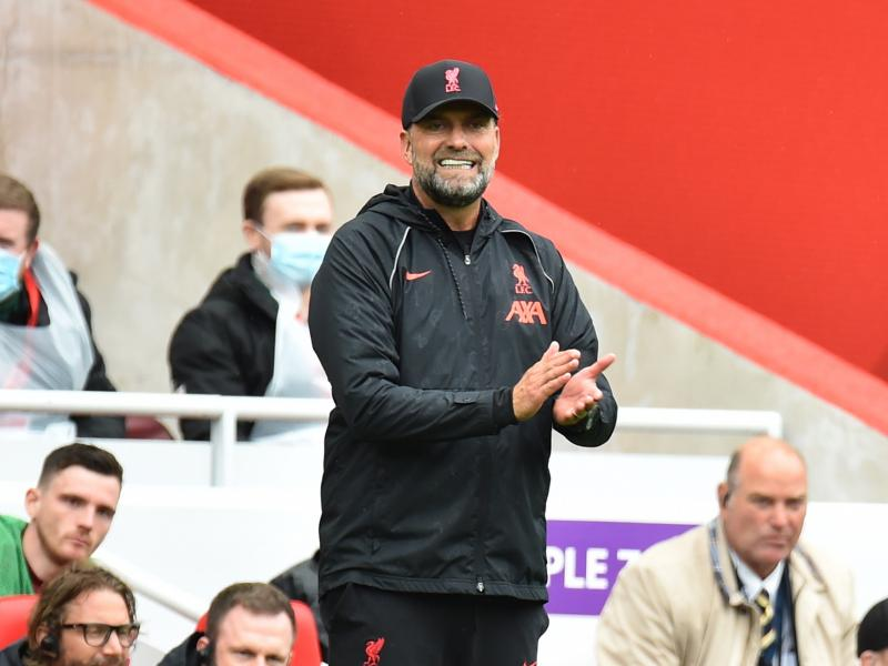Klopp provides injury update on Firmino, Salah's contract situation