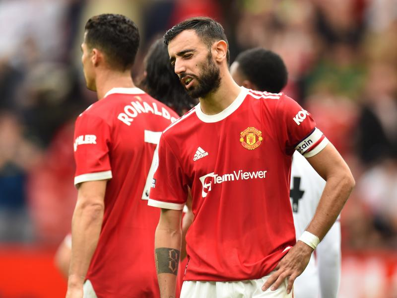 A look at Ronaldo's reaction to Bruno Fernandes penalty miss during Man United defeat