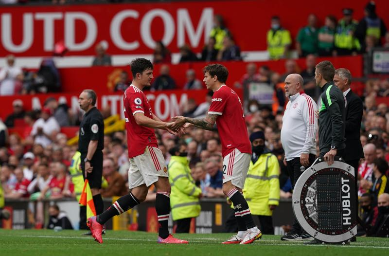 Shaw, Maguire injured in Manchester United defeat