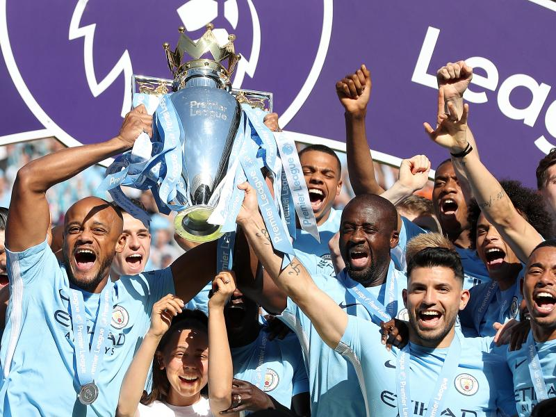 WATCH: Manchester City players mob Yaya Toure in title celebration