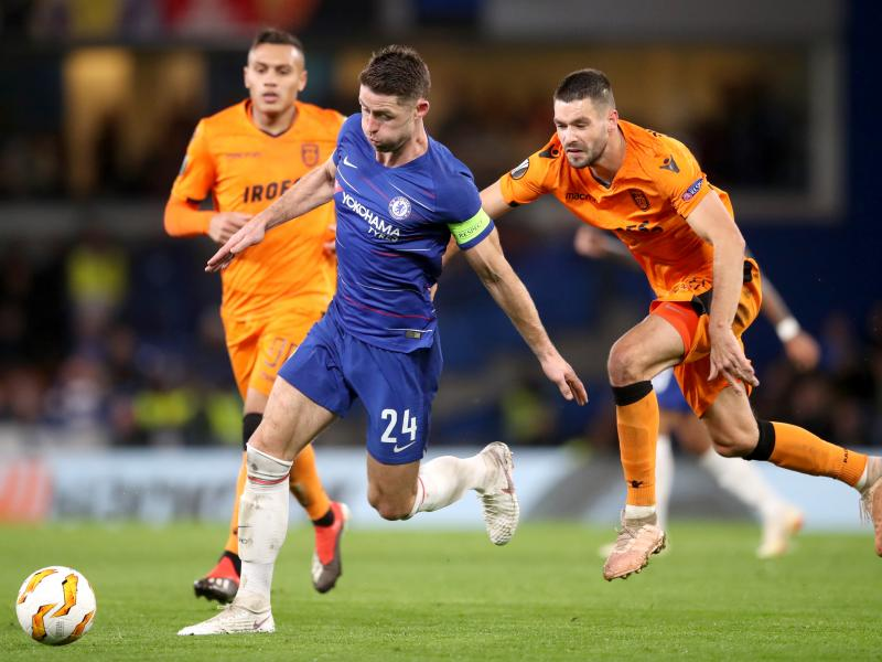 Sarri responds to Cahill playing again for Chelsea