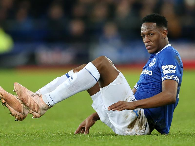 Everton handed Yerry Mina injury blow ahead of Premier League restart