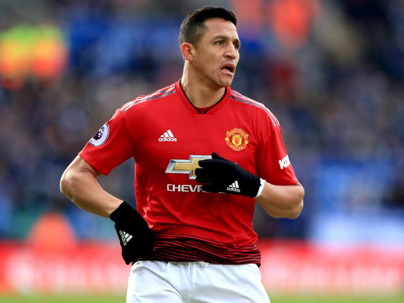 Solskjaer hints at starting Sanchez against Barcelona