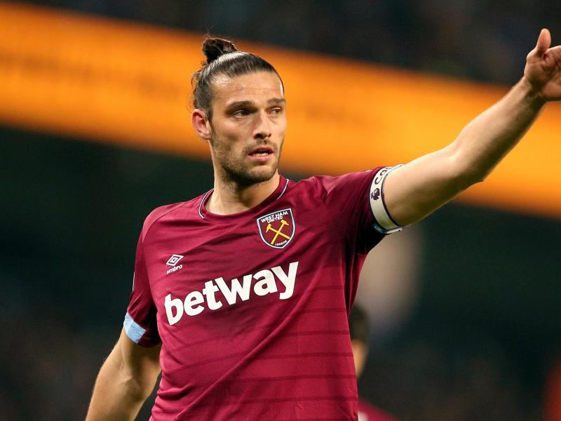 Andy Carroll returns to West Ham despite contract expiry