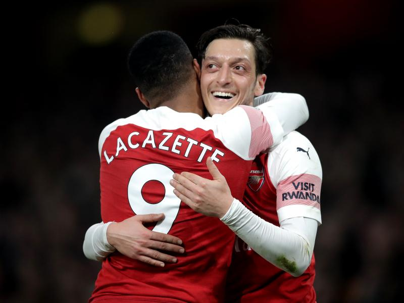 Emery urged to replace Ozil with Bale