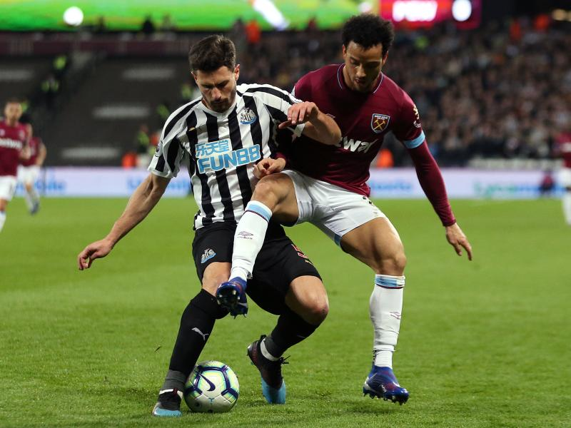 Steve Bruce issues contract update on Newcastle duo