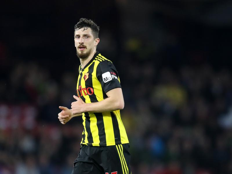 Watford defender signs new contract