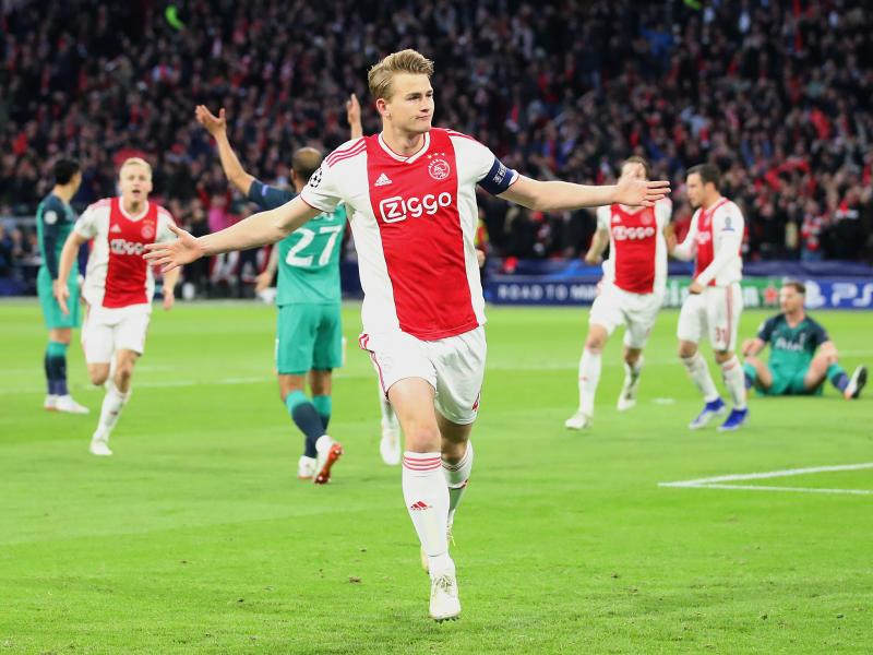 Manchester United given hope in pursuit of De Ligt