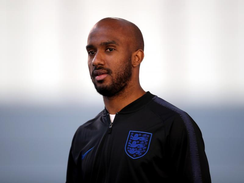 Everton signs Fabian Delph from Man City