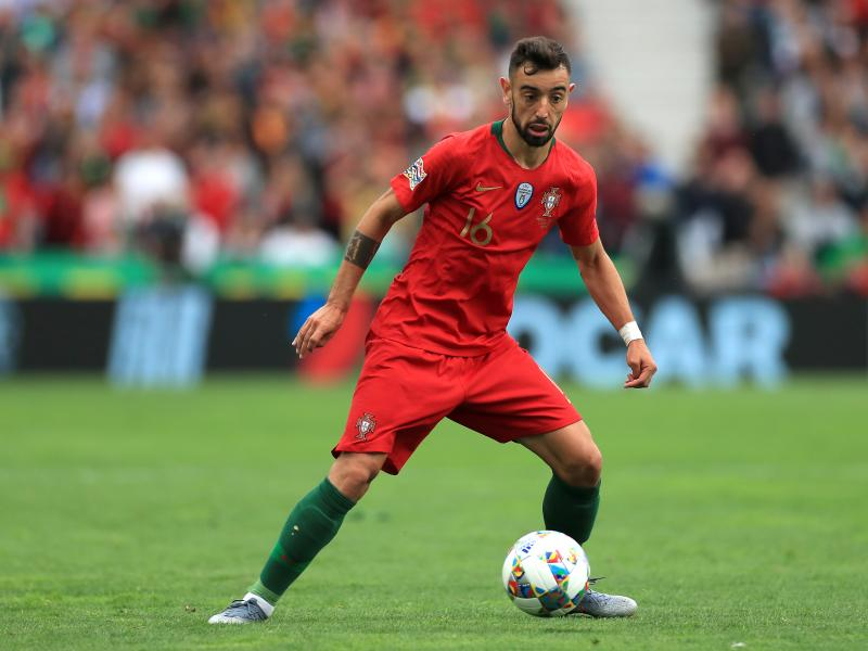 Bruno Fernandes provides transfer update amid Manchester United rumours