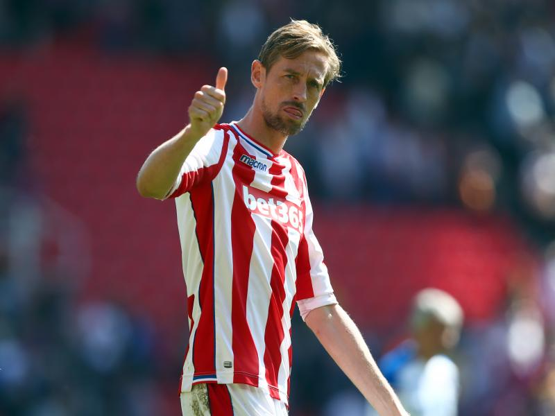 BREAKING: Peter Crouch announces retirement