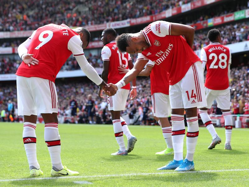 Aubameyang, Lacazette sink resilient Burnley at Emirates