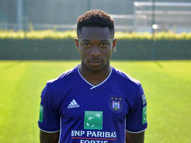 Francis Amuzu signs contract extension with Anderlecht