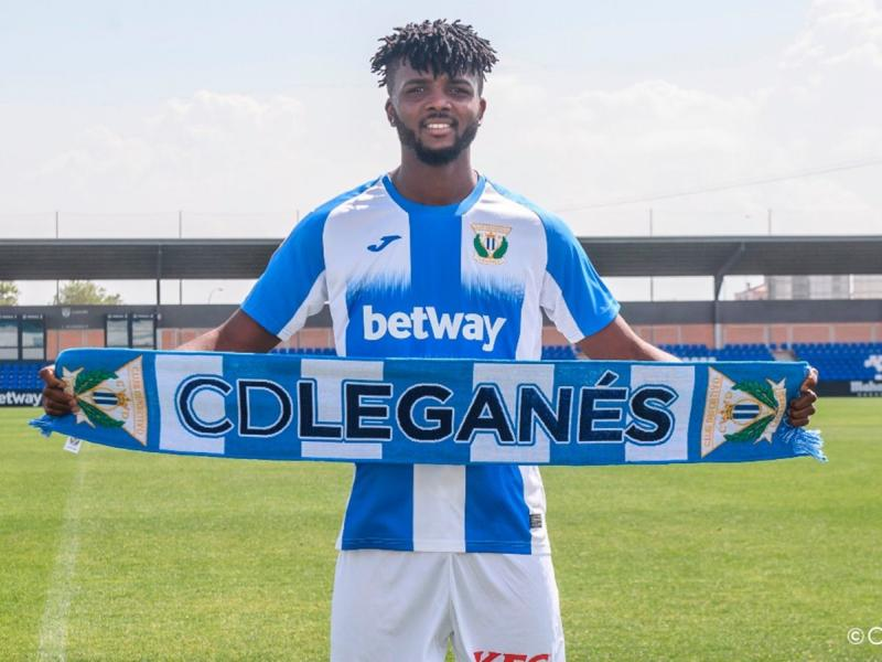 FC Porto place €4m price-tag on Nigerian defender Awaziem