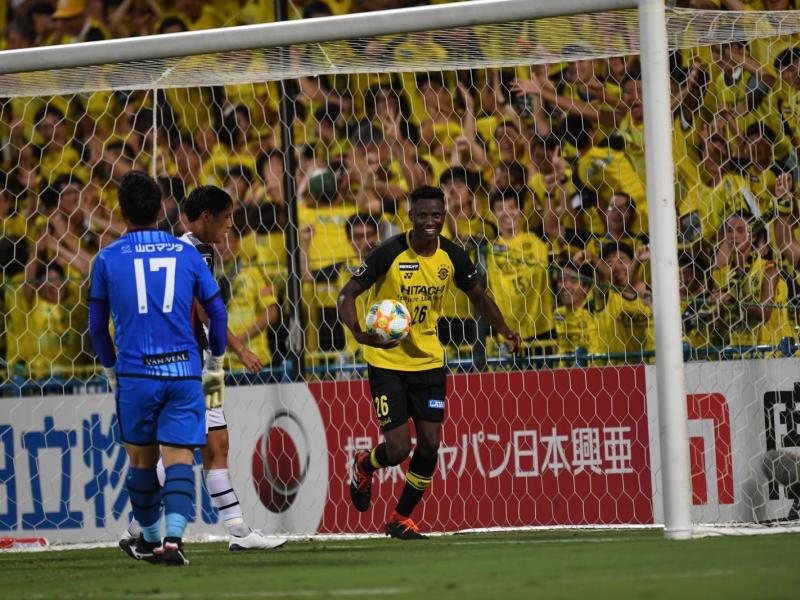 Michael Olunga the match winner as Reysol sink V-Varen Nagasaki