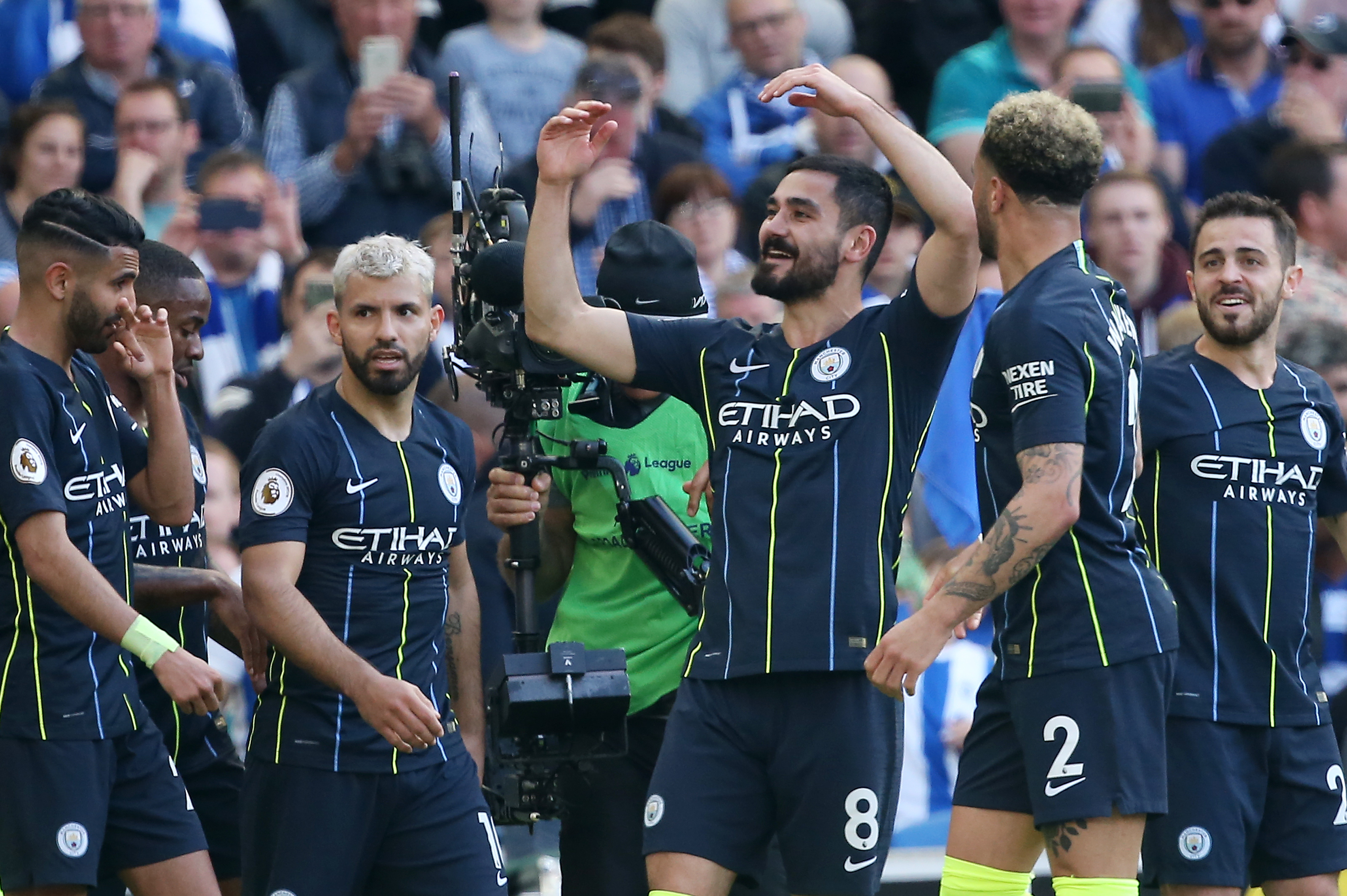 Gundogan to renew contract talks with Manchester City