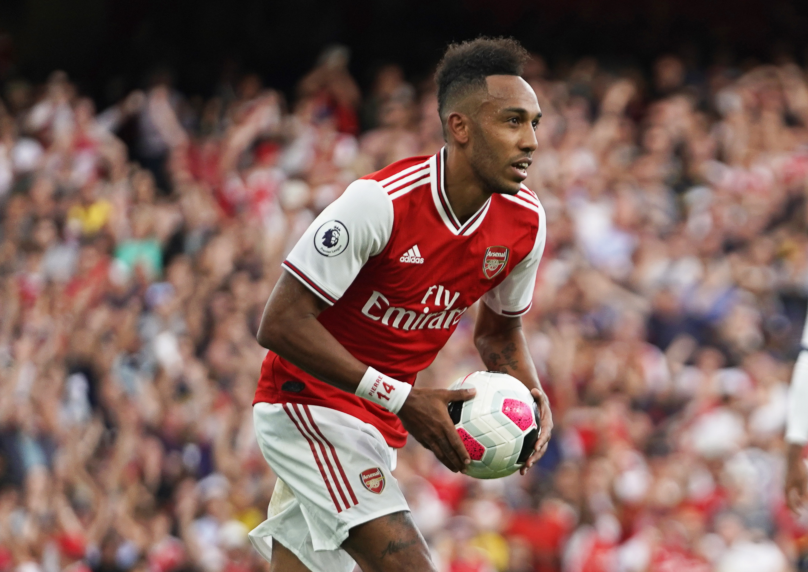 Michael Owen backs two Arsenal youngsters to replace Aubameyang