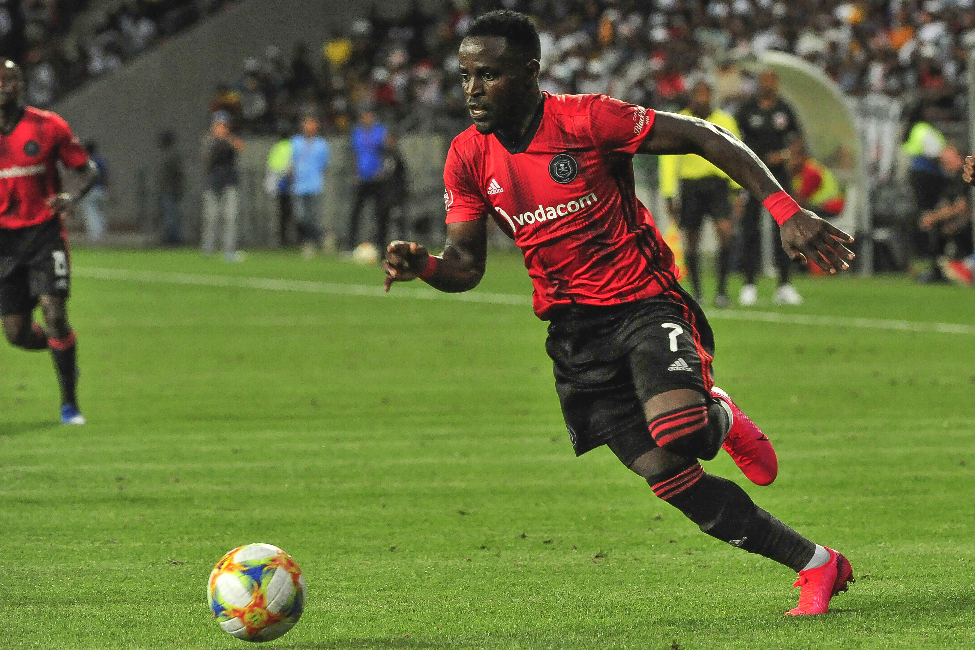 🇲🇼🇿🇦☠️ Gabadinho Mhango's agent says that Orlando Pirates should be prepared for his exit