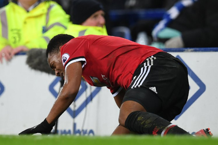 Mourinho provides an injury update on Martial