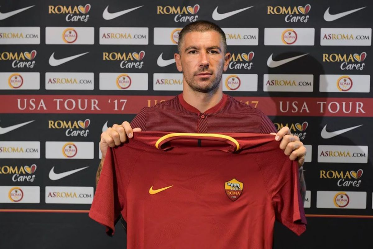 Kolarov signs for Roma