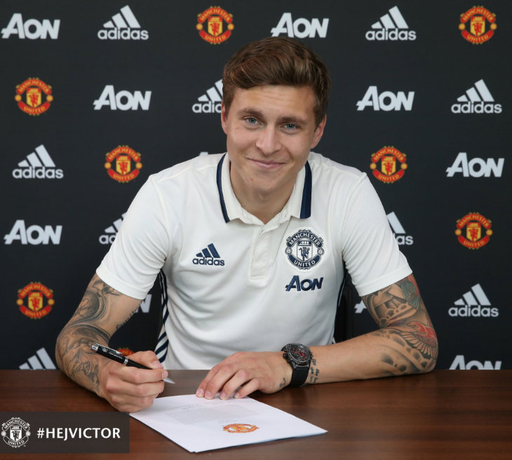 Manchester United sign Lindelof