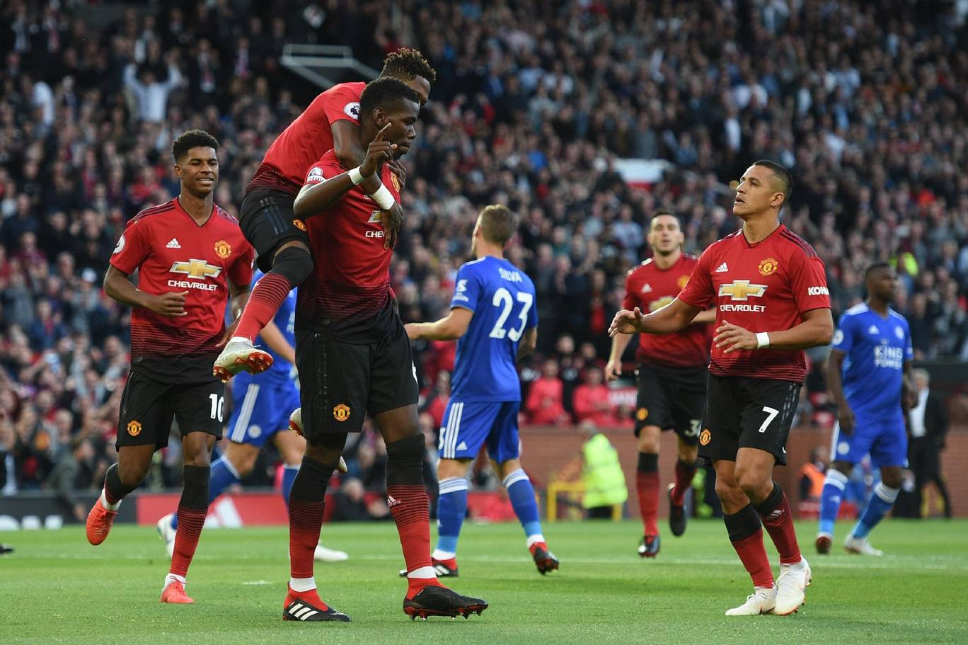 Resilient Manchester United off to a flying start