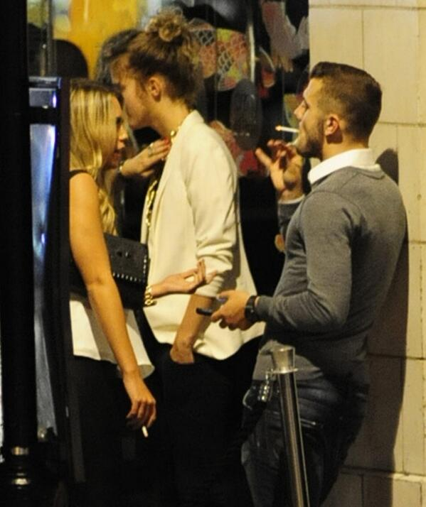 Arsenal's Jack Wilshere caught SMOKING, again! [Picture ... |Jack Wilshere Smoking